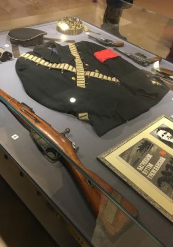 Uniform und Bewaffung revolutionärer Matrosen 1917